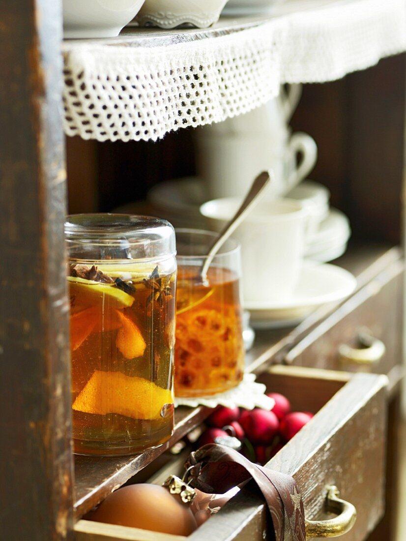 Christmas honey and rum rock sugar with cinnamon