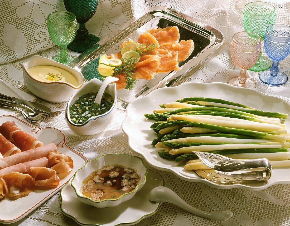 Asparagus with ham, smoked salmon & sauces