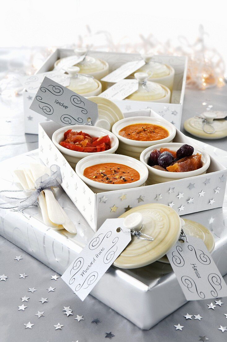 Home-made sauces, relish and mostarda di frutta (candied fruit in mustard syrup), as gifts