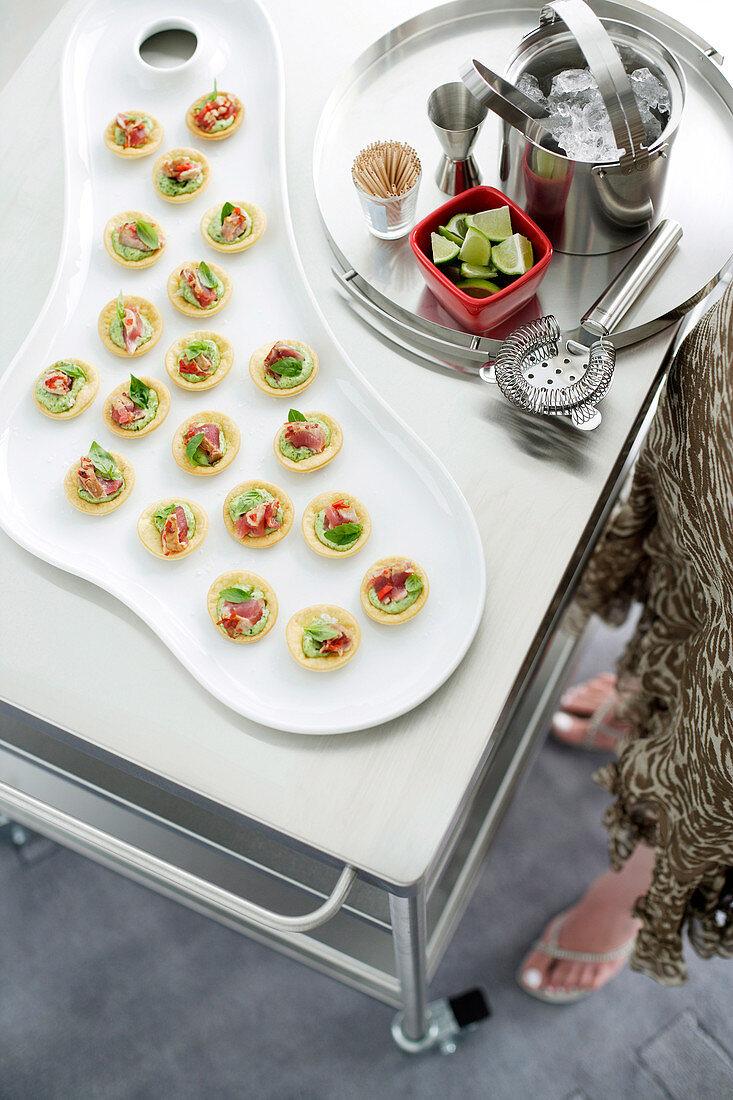 Bite-sized tuna tartlets with basil mayonnaise