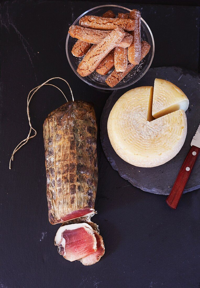 Corsican specialities: lonzu, canistrelli, sheep's cheese