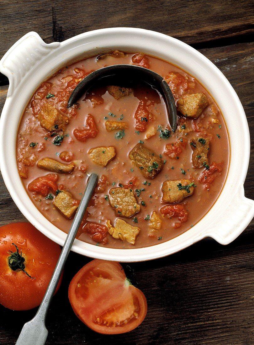 Tomaten-Schweine-Gulasch Balaton