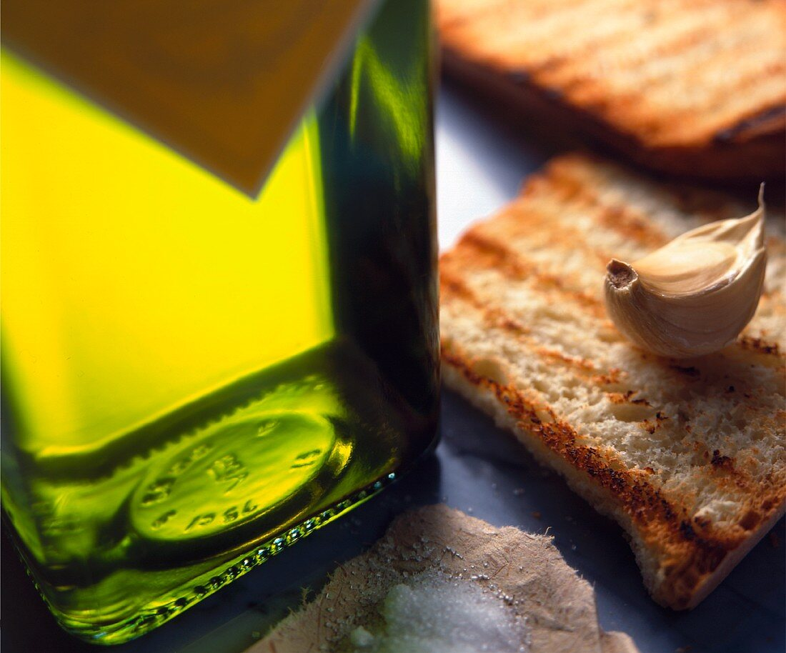 Bruschetta aglio e olio (toasted bread topped with garlic and olive oil)