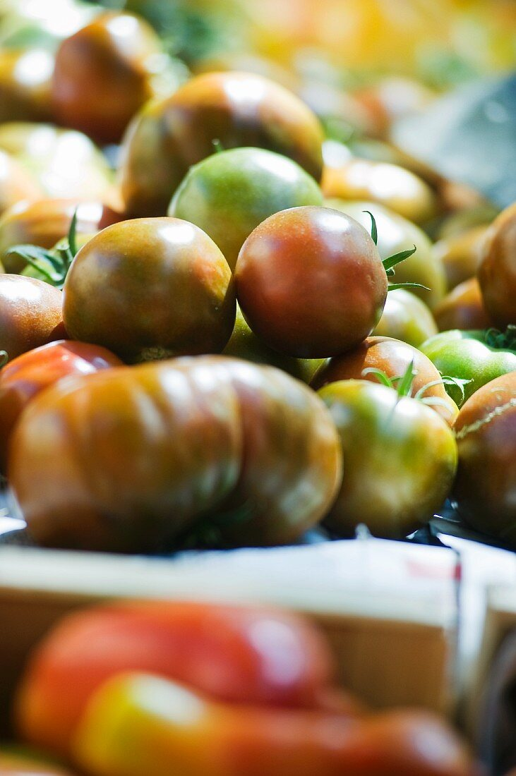 Tomatoes on a market stall (close-up)