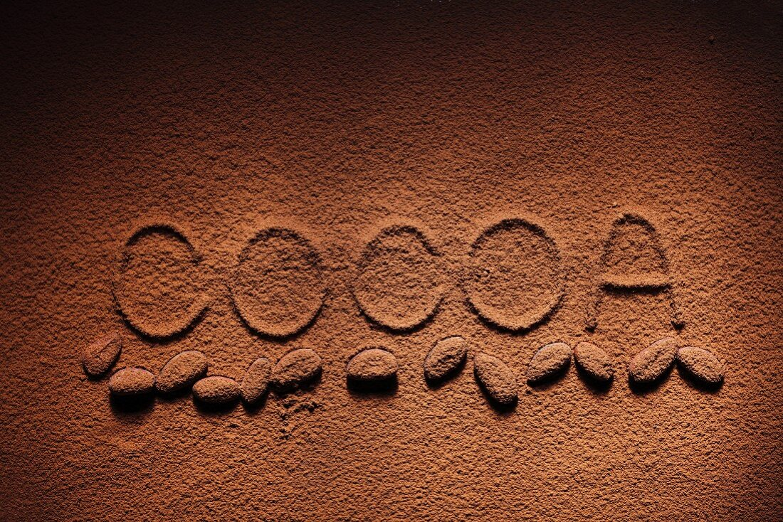 The word cocoa written in coca powder (full frame)