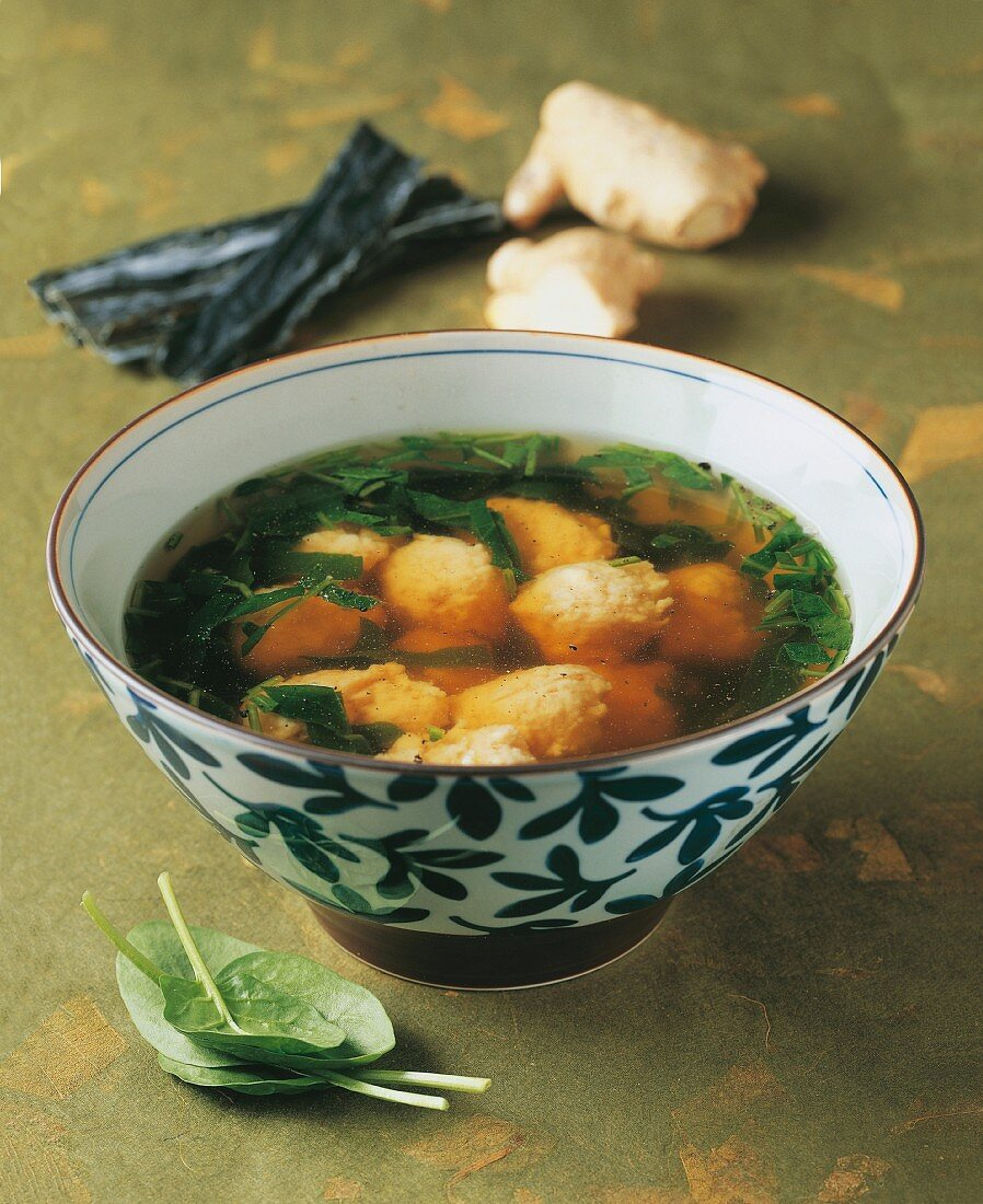 Uwo dango no shiru (Japanese soup with fish dumplings)