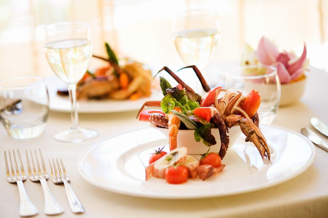 Salad with octopus and crab