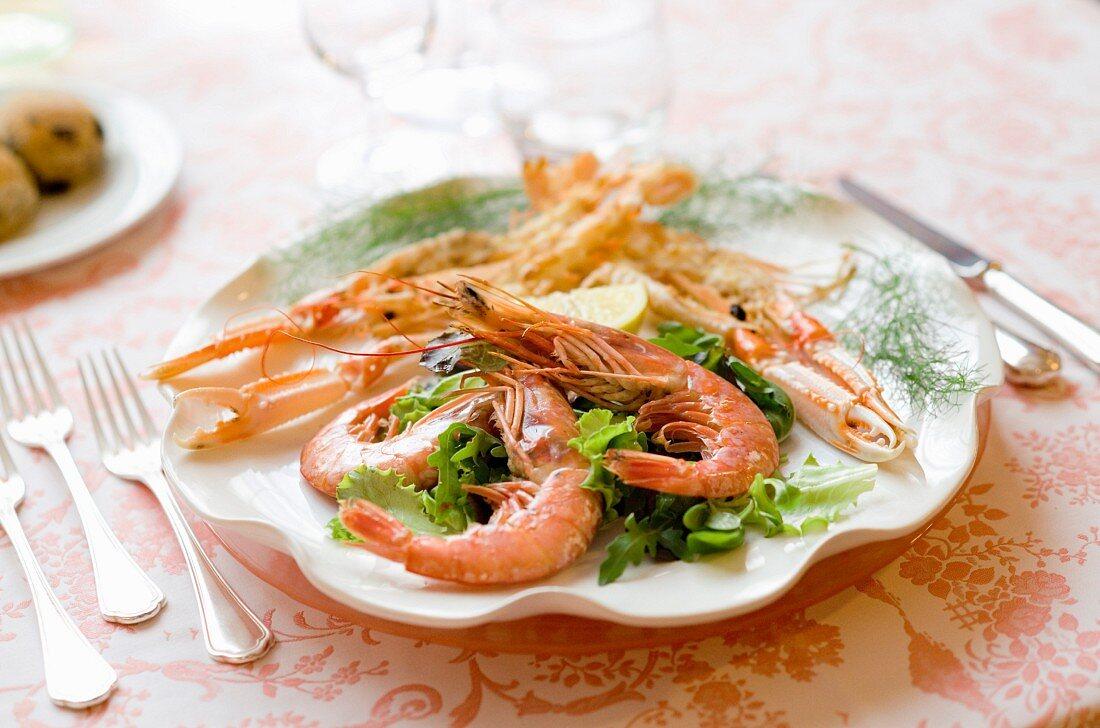 Antipasto di scampi e gamberoni (a starter of prawns and langoustine)