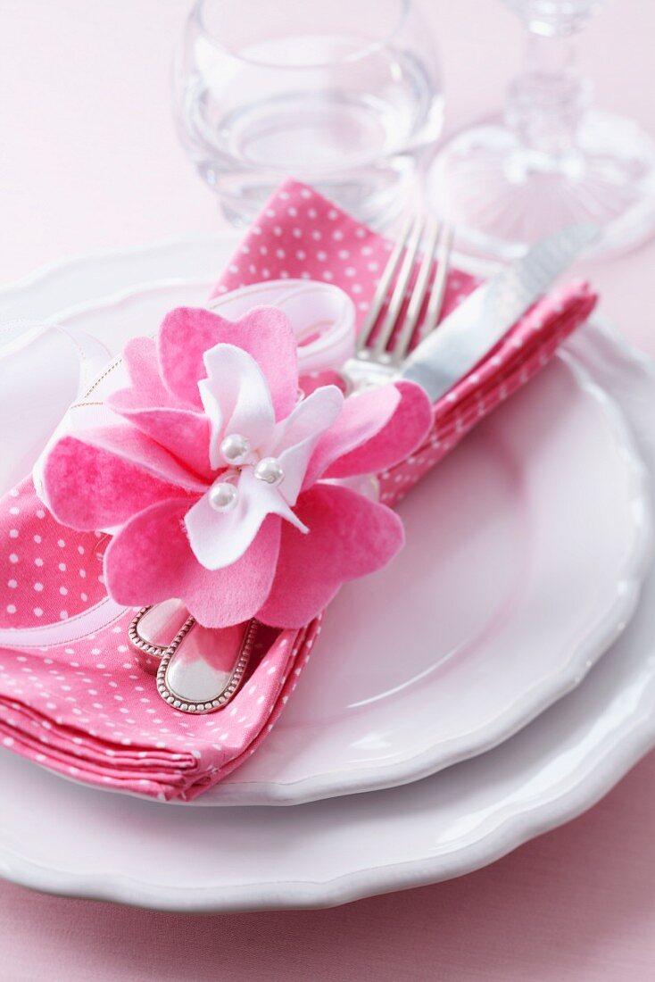 Felt flower napkin ring