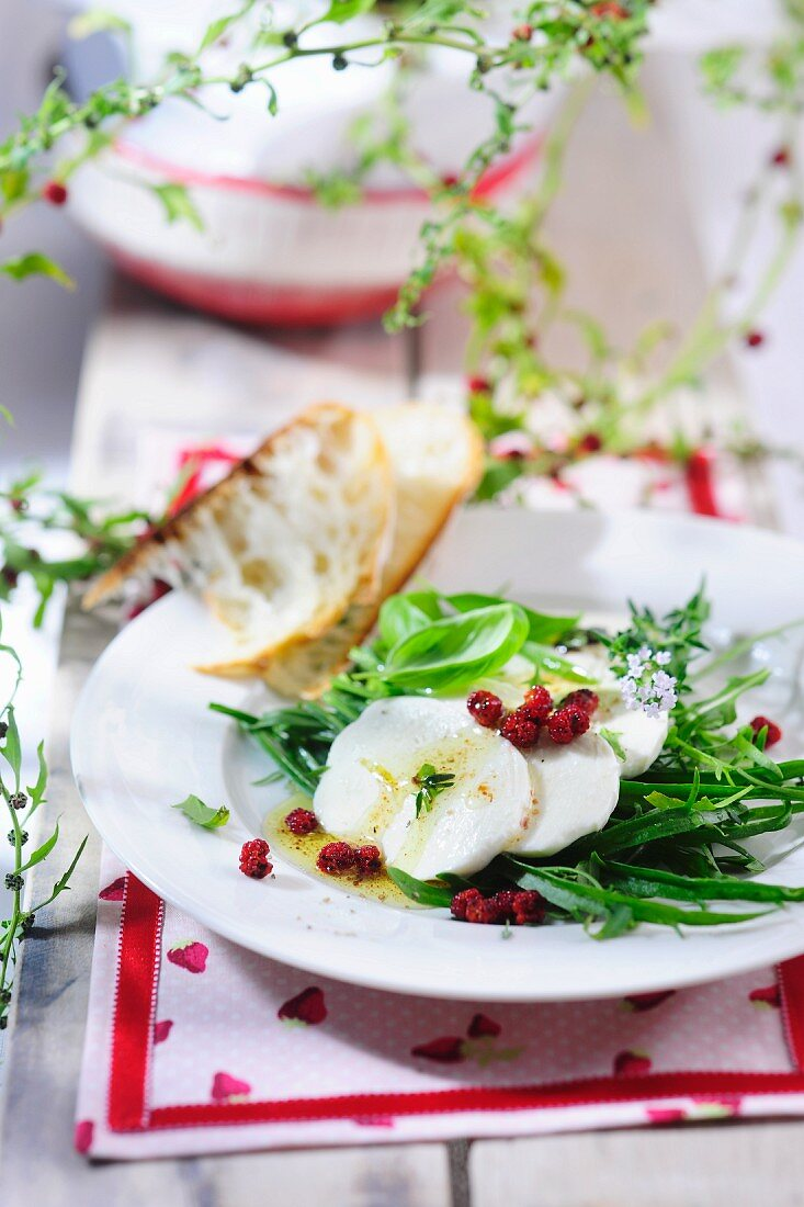 Strawberry blite salad with mozzarella