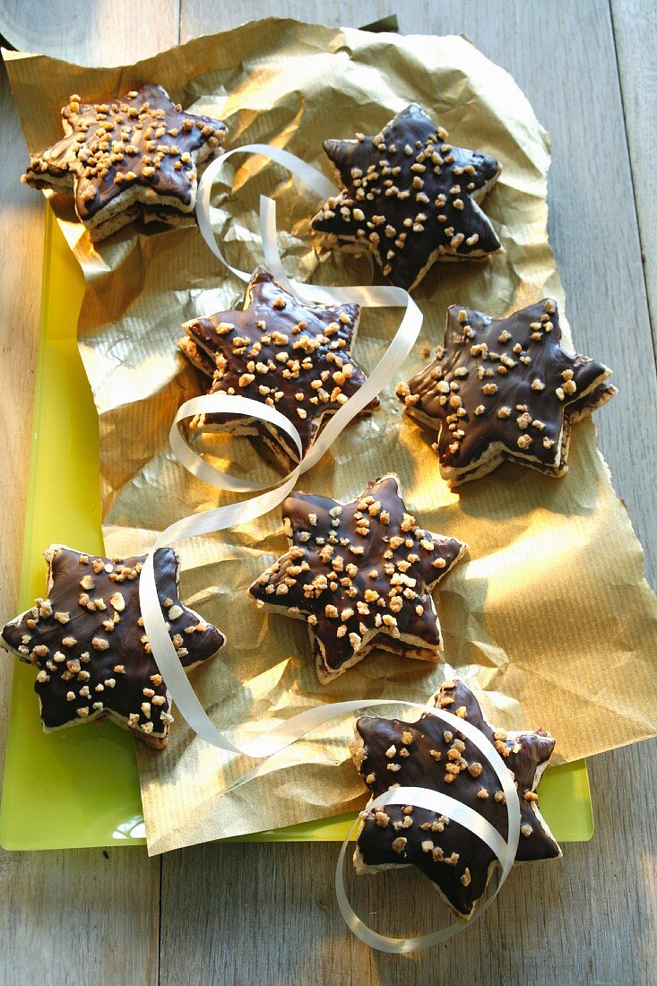 Nougat stars with nibbed hazelnuts