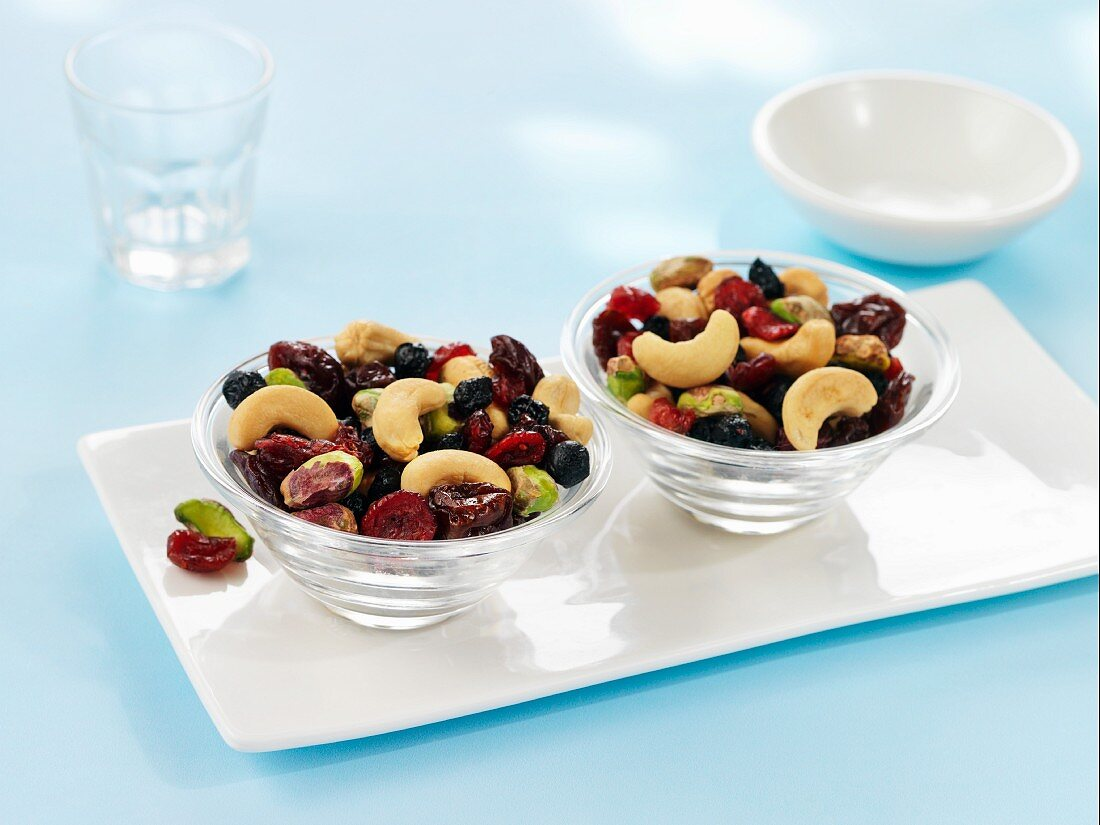 Dried berries and cashew nuts