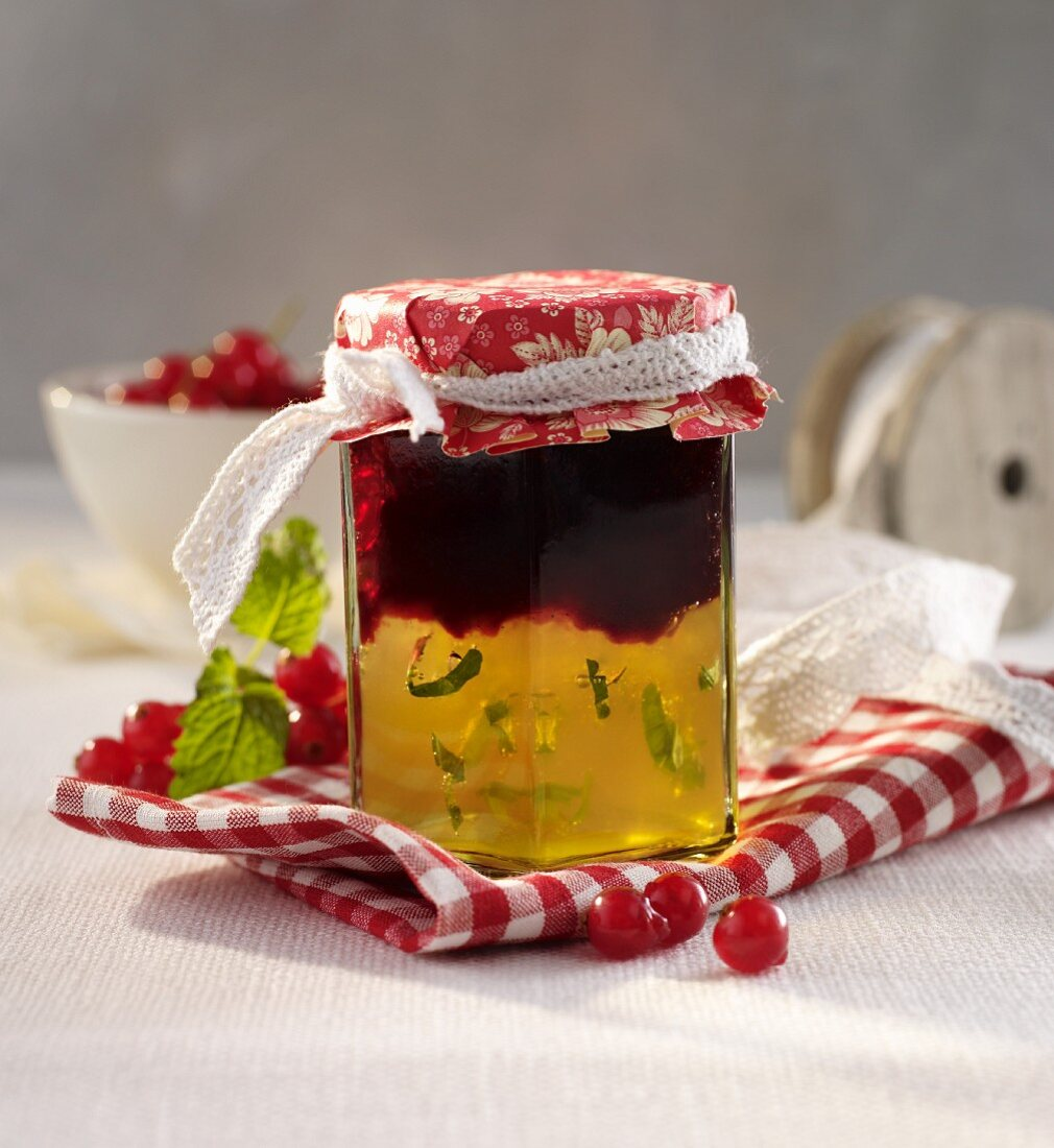 White- and redcurrant jelly