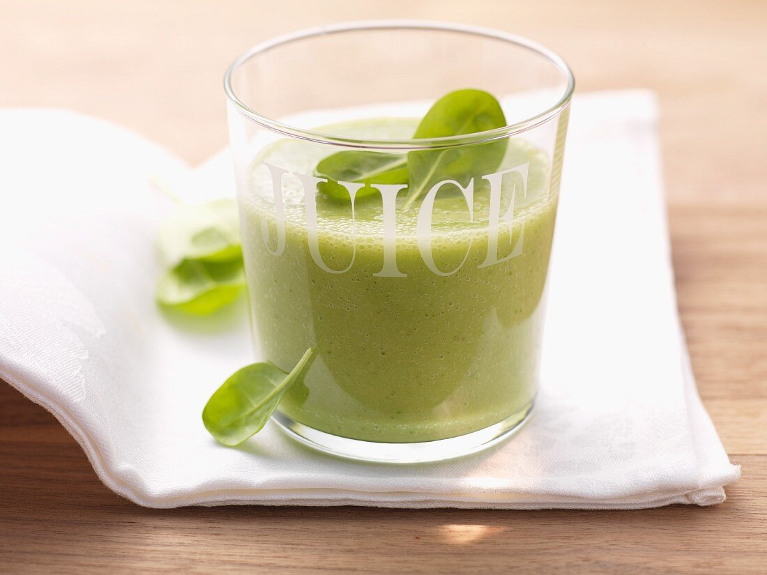 A green vitamin drink