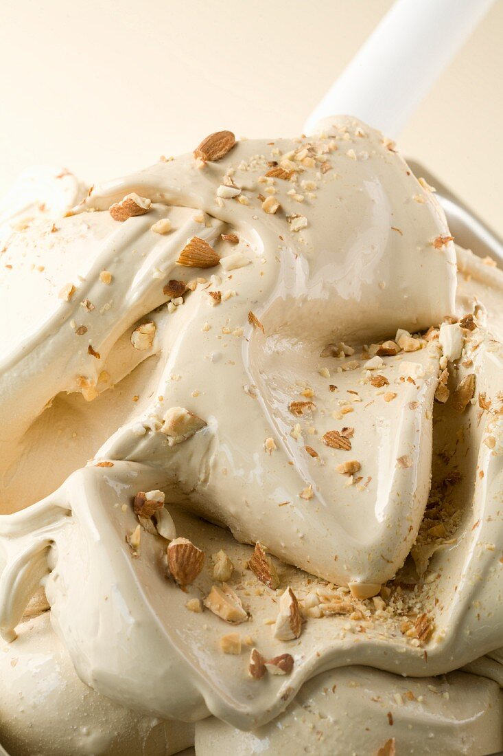 Almond ice cream topped with toasted chopped almonds