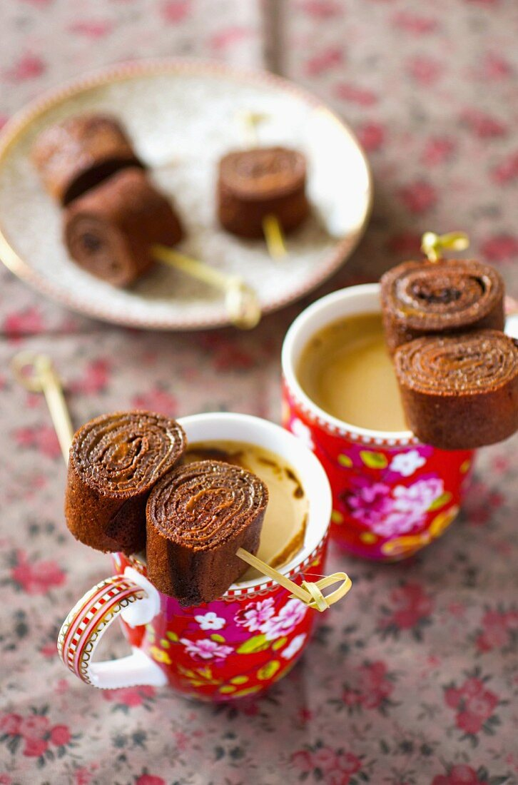 Chocolate crepe rolls with speculoos cream