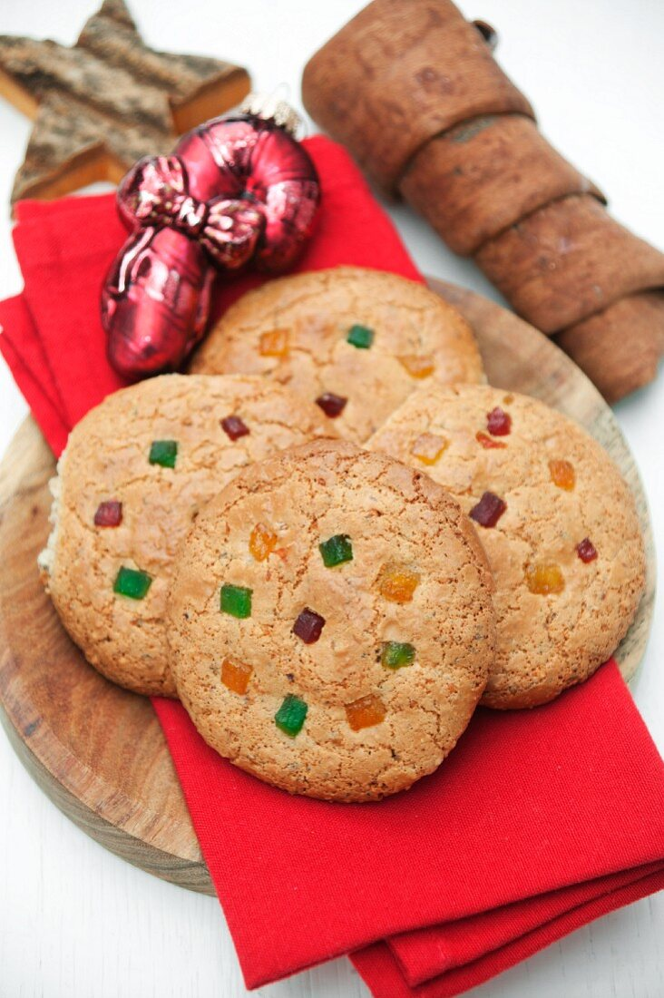 Nuremberg Lebkuchen (spiced, soft gingerbread) with candied lemon and orange peel