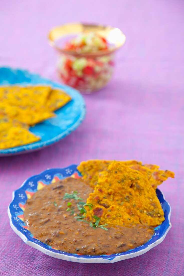 Dal makhani (lentil soup, India)