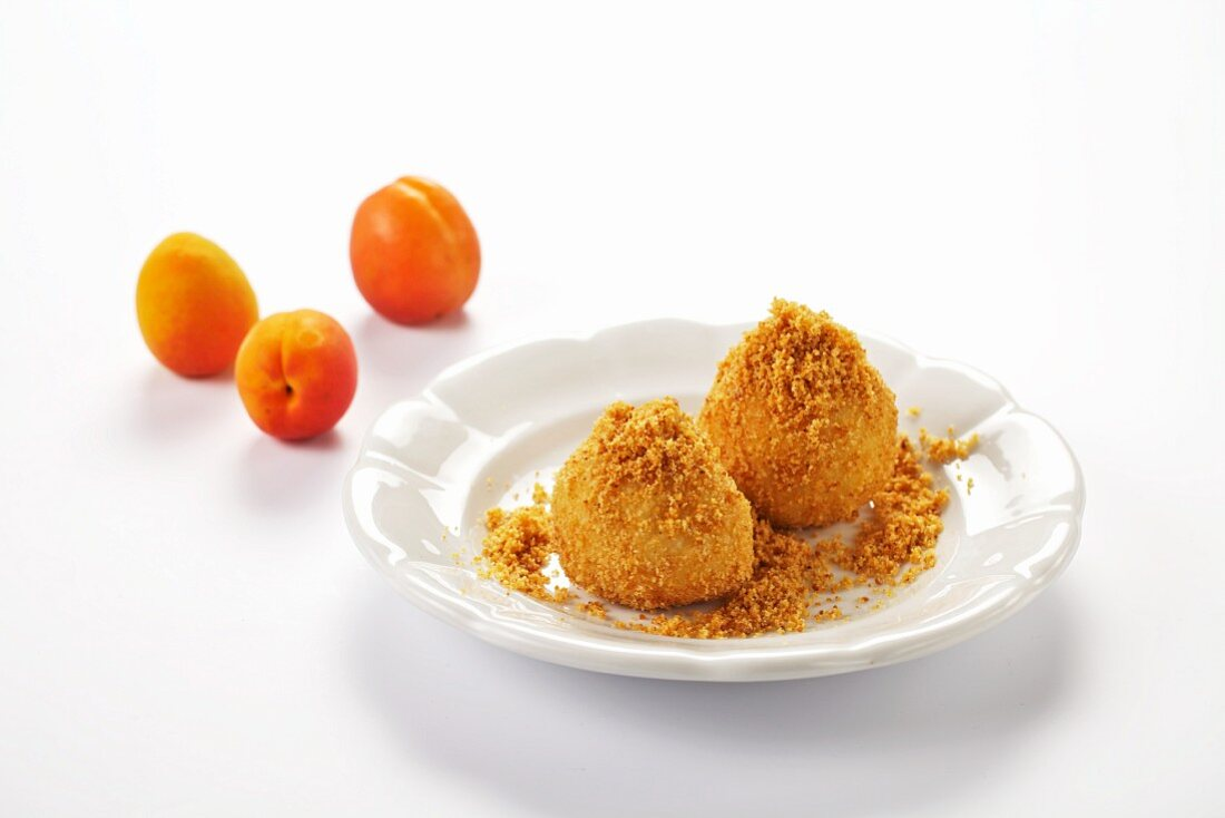Apricot dumplings with breadcrumbs