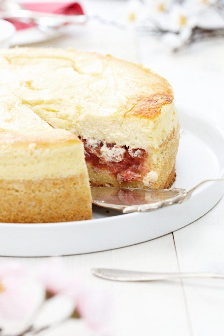Quark layer cake with rhubarb filling