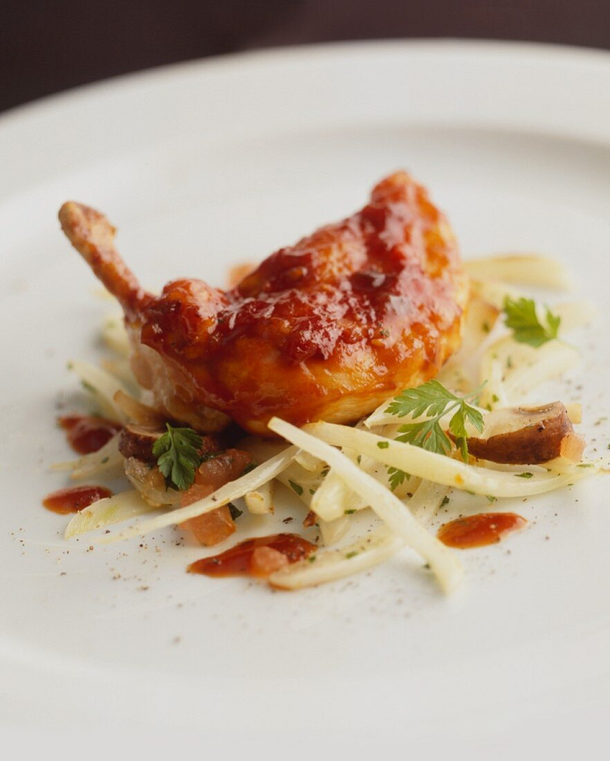 Quail's leg on julienne vegetables