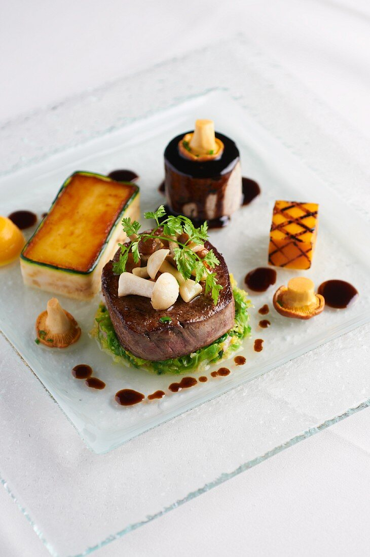 Beef medallion with mushrooms and chervil