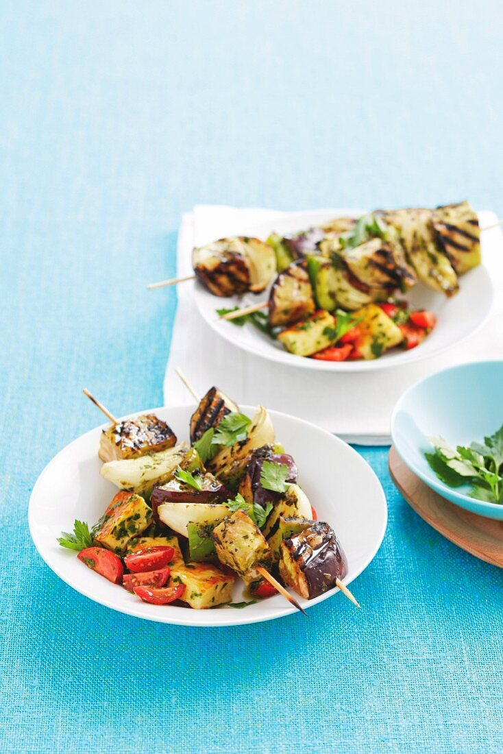 Vegetable skewers with herb halloumi
