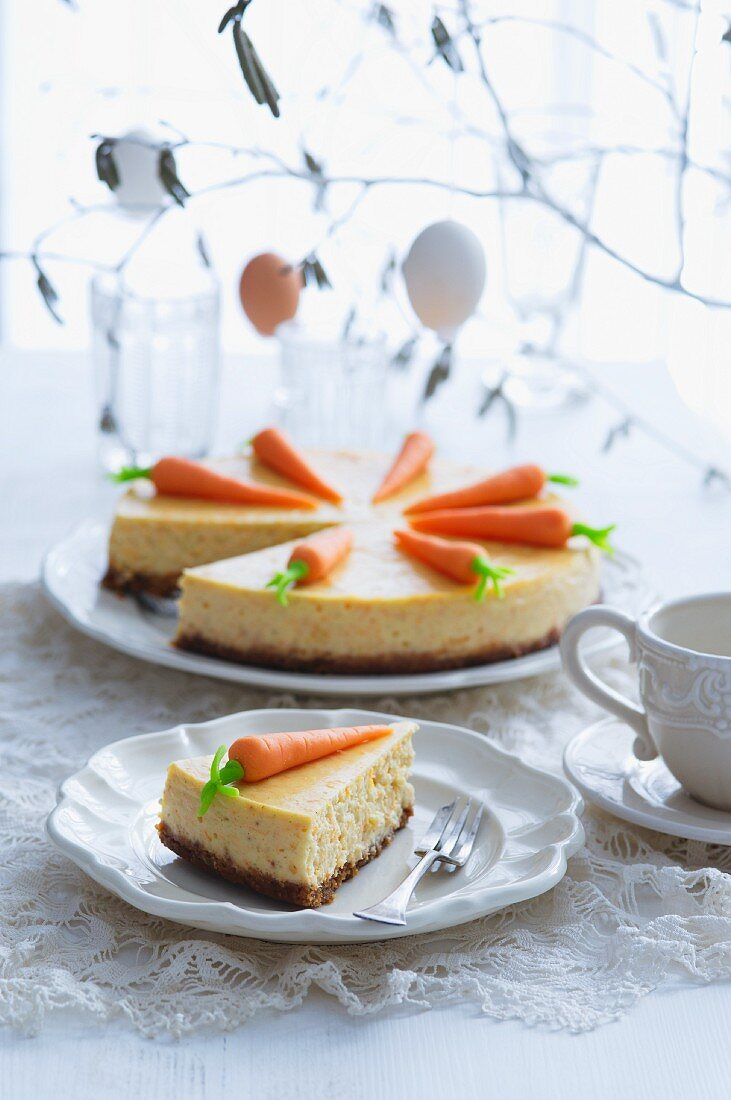 Cheesecake with carrots for Easter