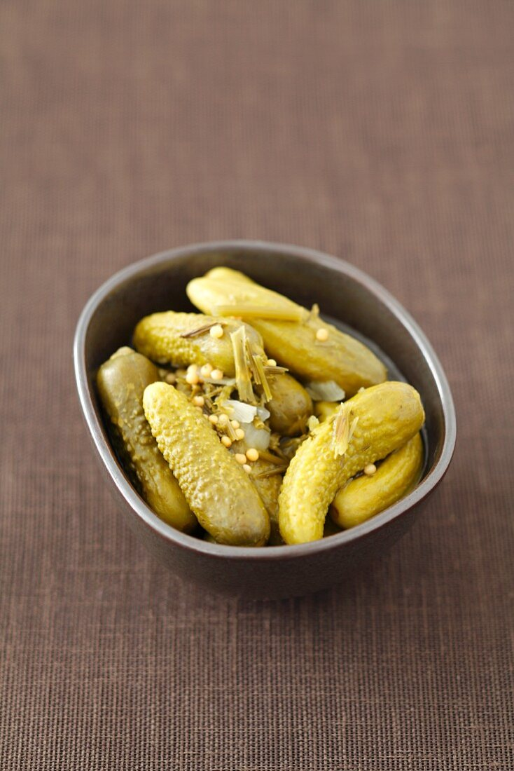 Pickled gherkins with curry flavourings