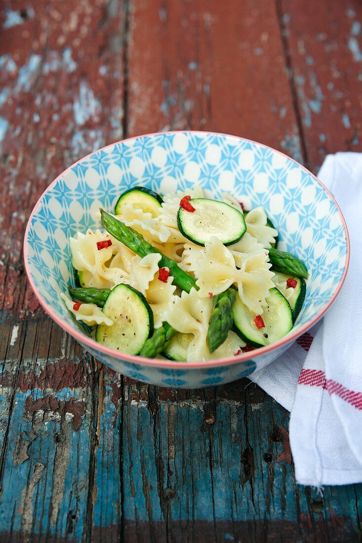 Farfalle with courgette, asparagus and chilli