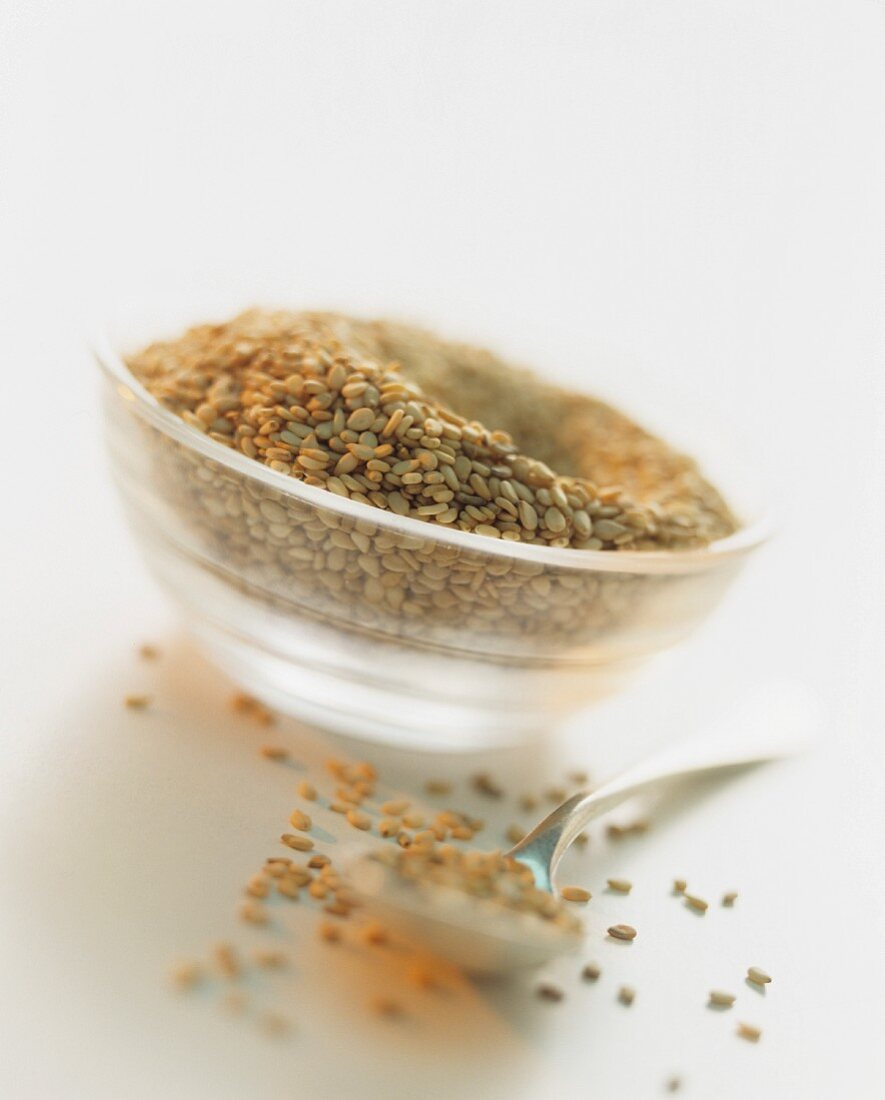 Sesame seeds in small dish