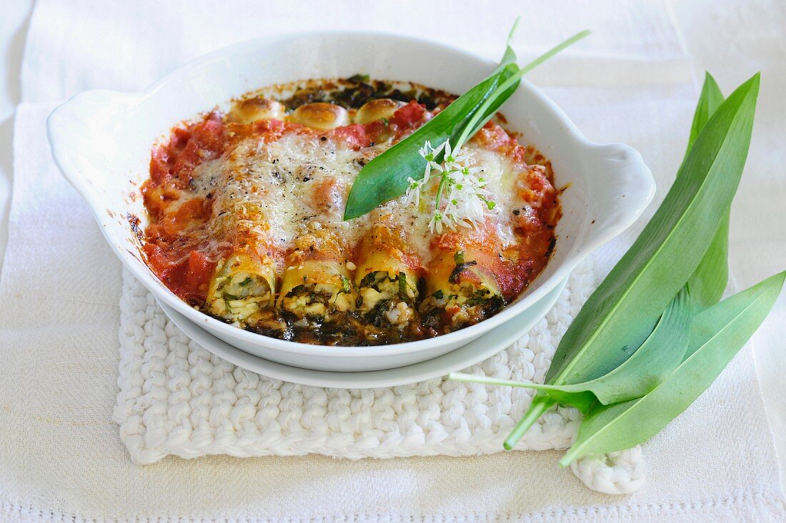 Cannelloni with wild garlic