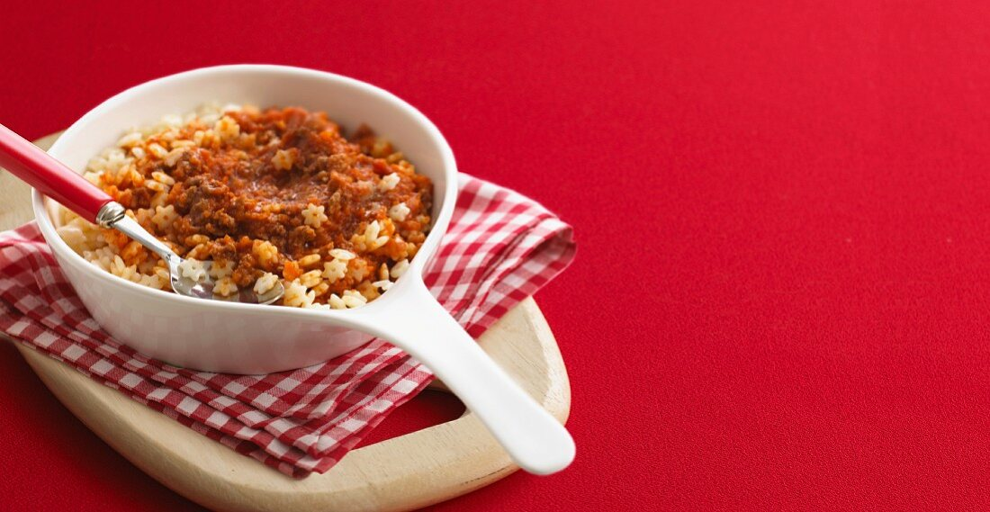 Pasta stars with minced meat sauce