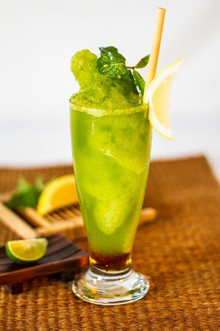 Lemon and mint cocktail