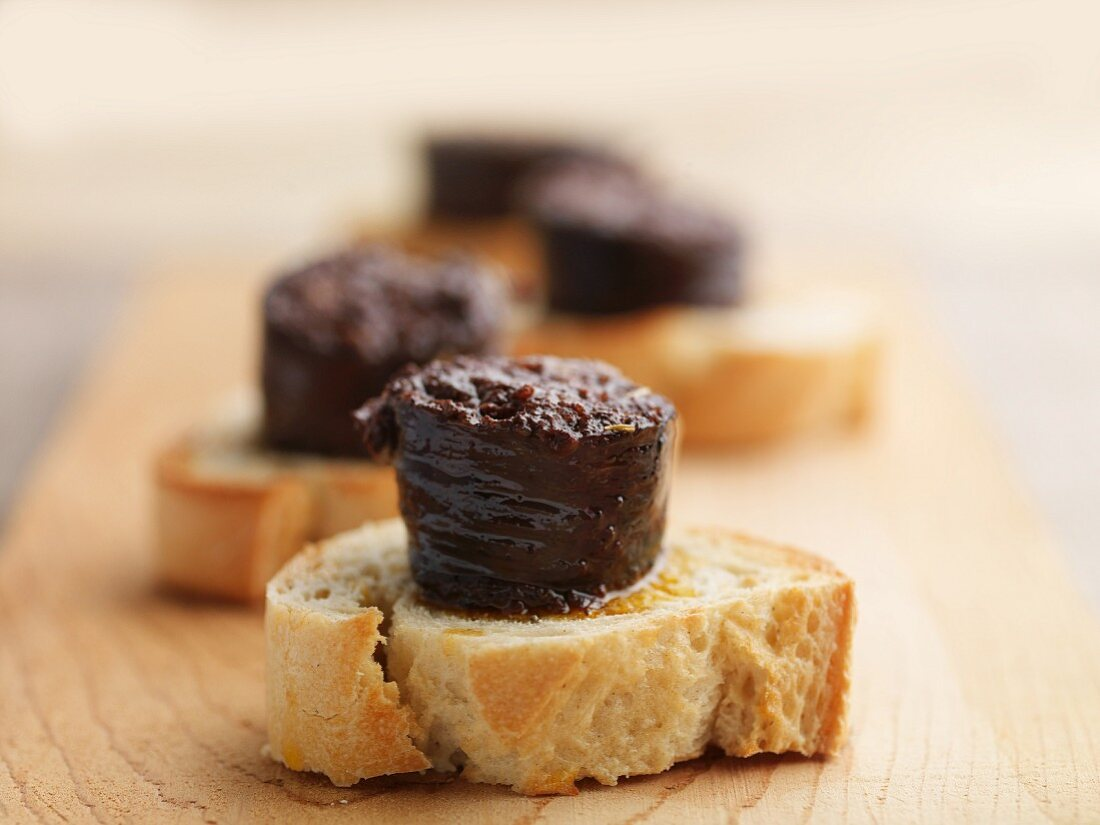 Black pudding with onion toast