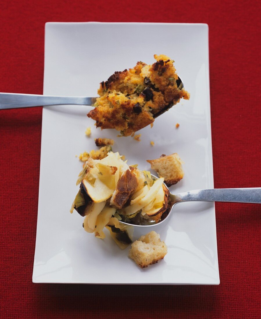 Cornbread and apple stuffing (USA)