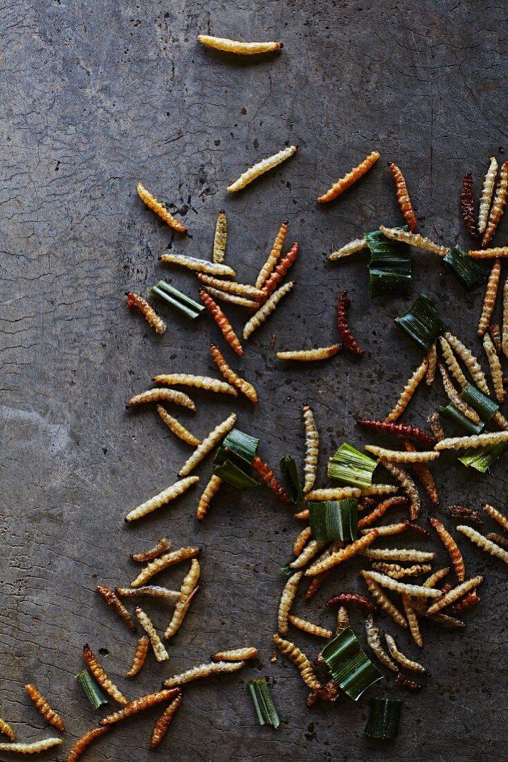 Fried silkworms