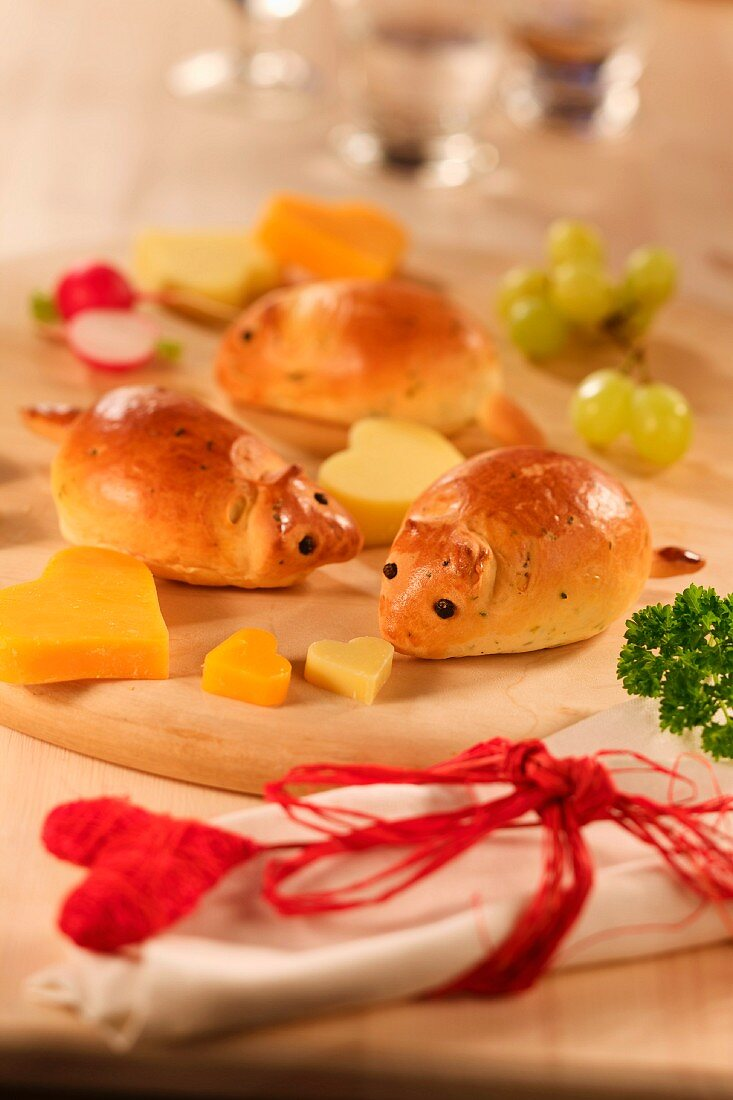 Bred mice with cheese