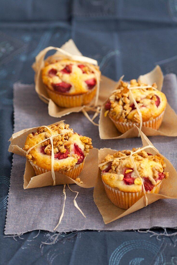 Strawberry muesli muffins as a gift
