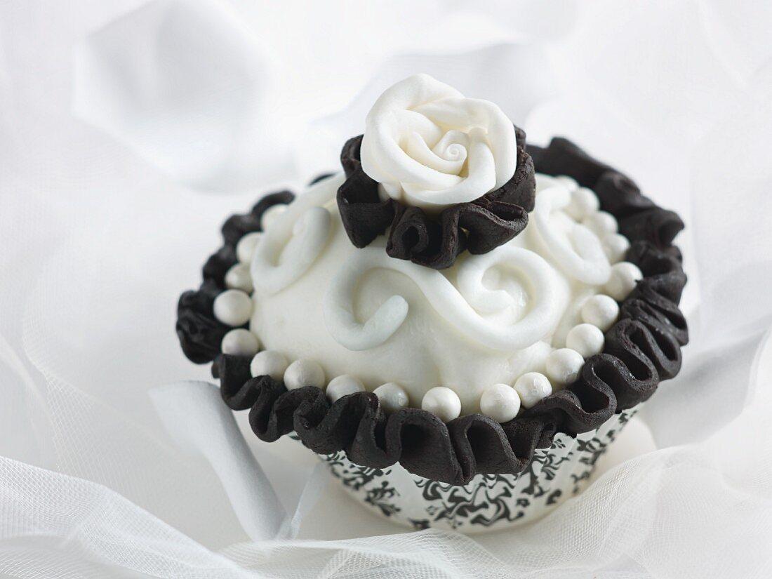 An elegant wedding cupcake