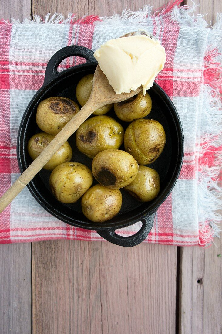 Roasted new potatoes with butter