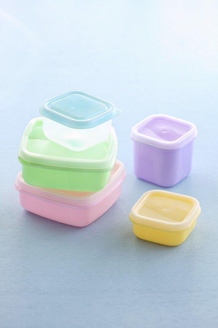Various Tupperware boxes