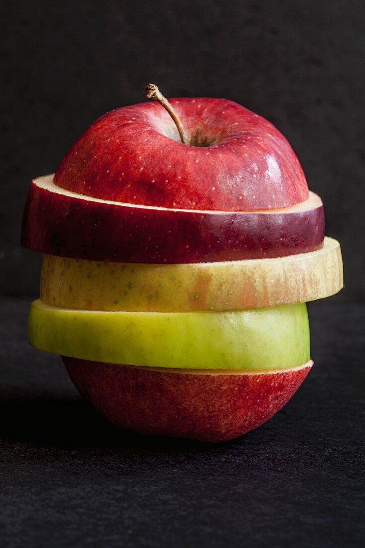 Various apple slices