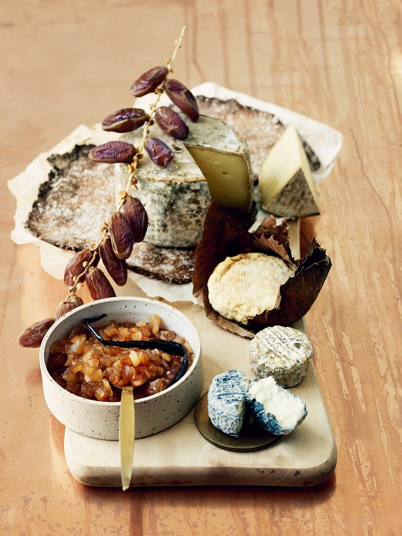 Various types of goat's cheese with apple chutney