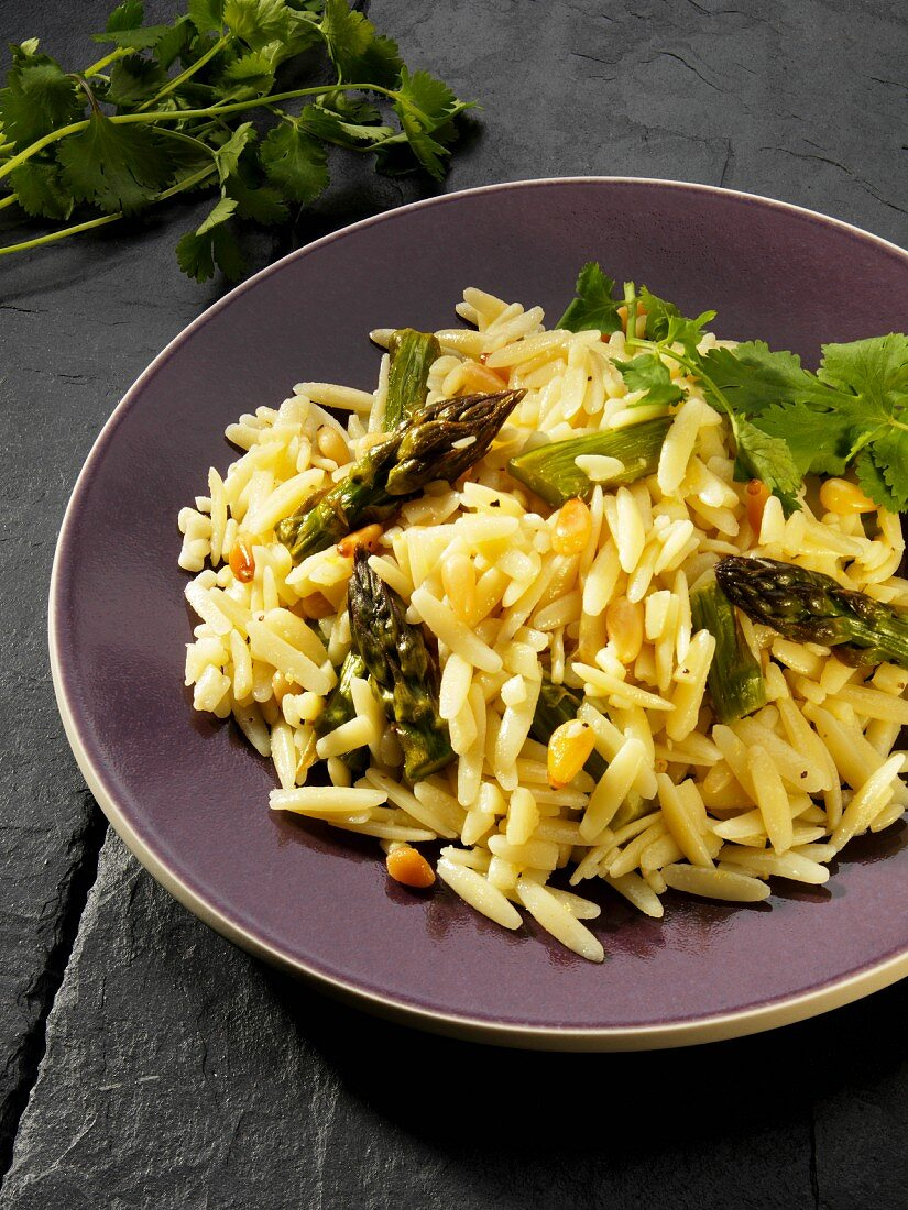 Orzo pasta with fried asparagus