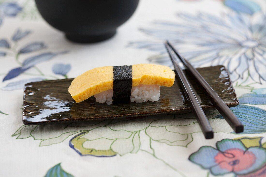 Nigiri sushi with omelette
