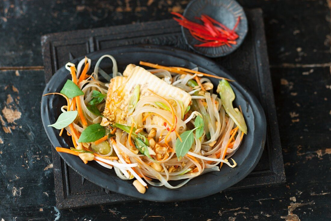 Glass noodle salad with fried tofu slices