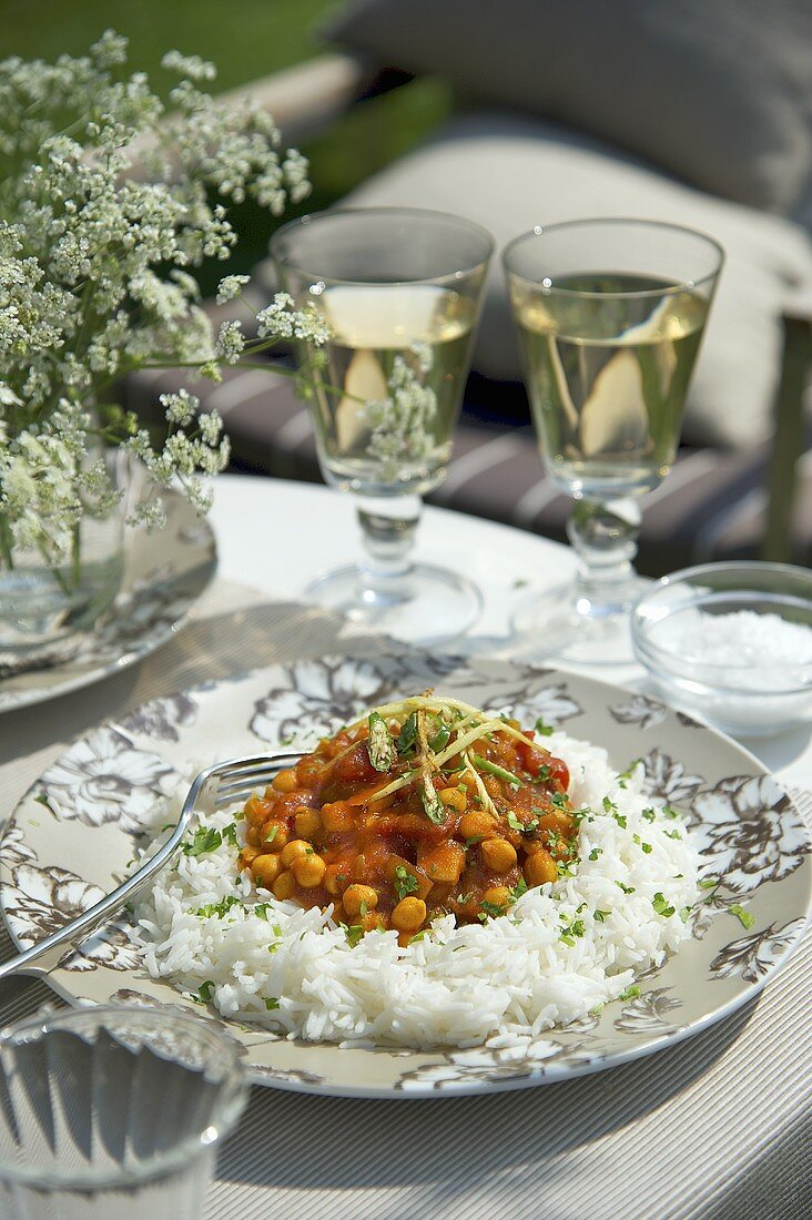 Ghugni (chickpea curry, India) with rice