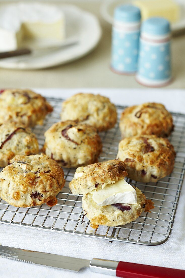 Spicy scones with brie on a wire rack