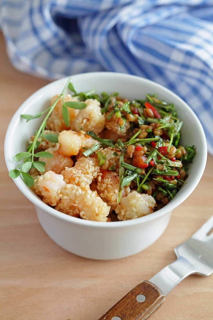 Sesame prawns with bulgur salad